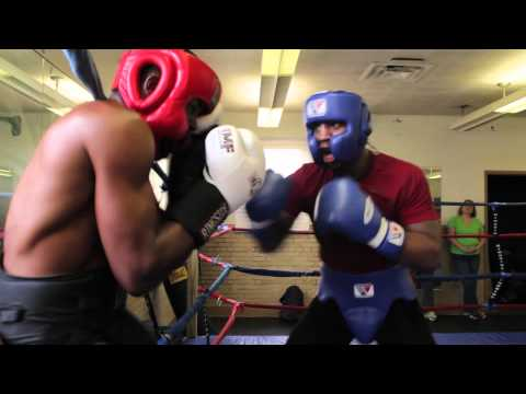 Professional Boxer Chris Pearson Hand Pads & Sparring Session