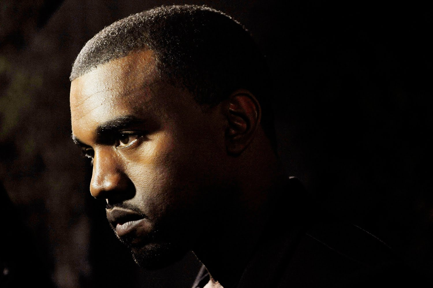 Kanye West Gets Wasted In The Club In Paris