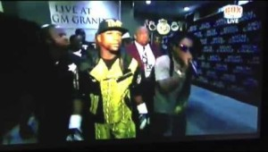 Lil Wayne Walks Floyd Mayweather Jr. Into His Fight