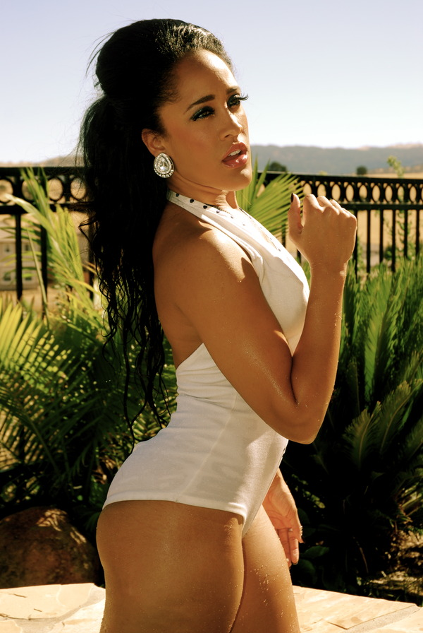 Natalie Nunn Twerks It Out