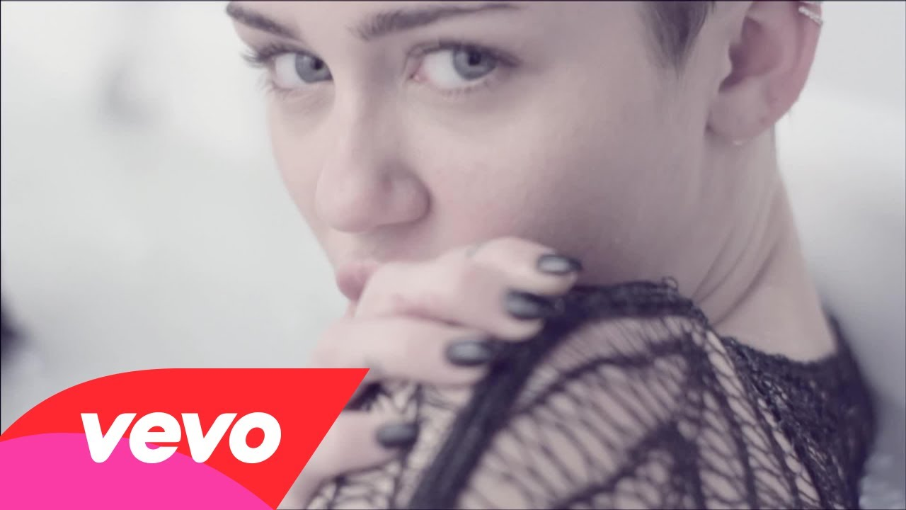 Miley Cyrus – Adore You [NSFW]