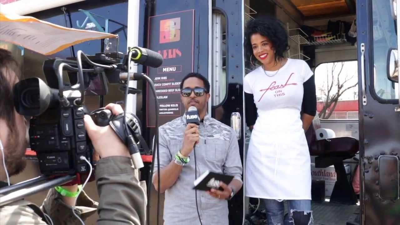 Kelis Serves Jerk Ribs In A Food Truck At SXSW