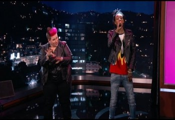 Wiz Khalifa Raps With 3 Sign Language Interpreters