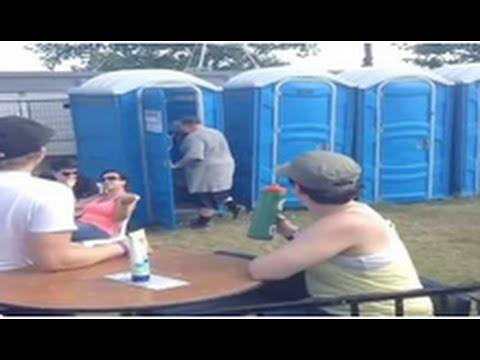 Action Bronson Takes A Quick Bathroom Break During His Performance But Never Stops Rapping