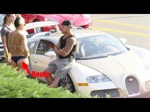 Bugatti Veyron Gold Digger Surprise Prank