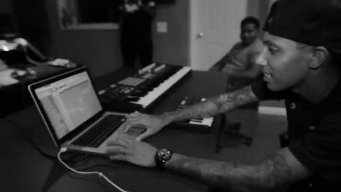 "Jahlil Beats Shows How He Made The Bobby Shmurda ""Hot Ni*ga"" Beat"