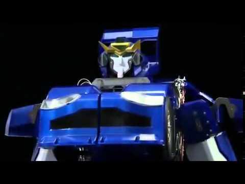 Japanese Inventors Create Real-Life Transformer