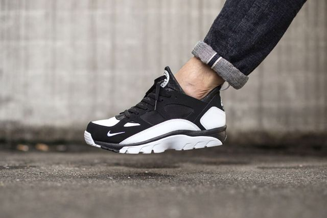 Nike Air Huarache Trainer Low (Black & White)