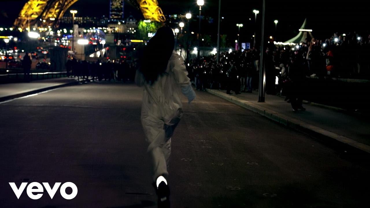 Rihanna – Goodnight Gotham