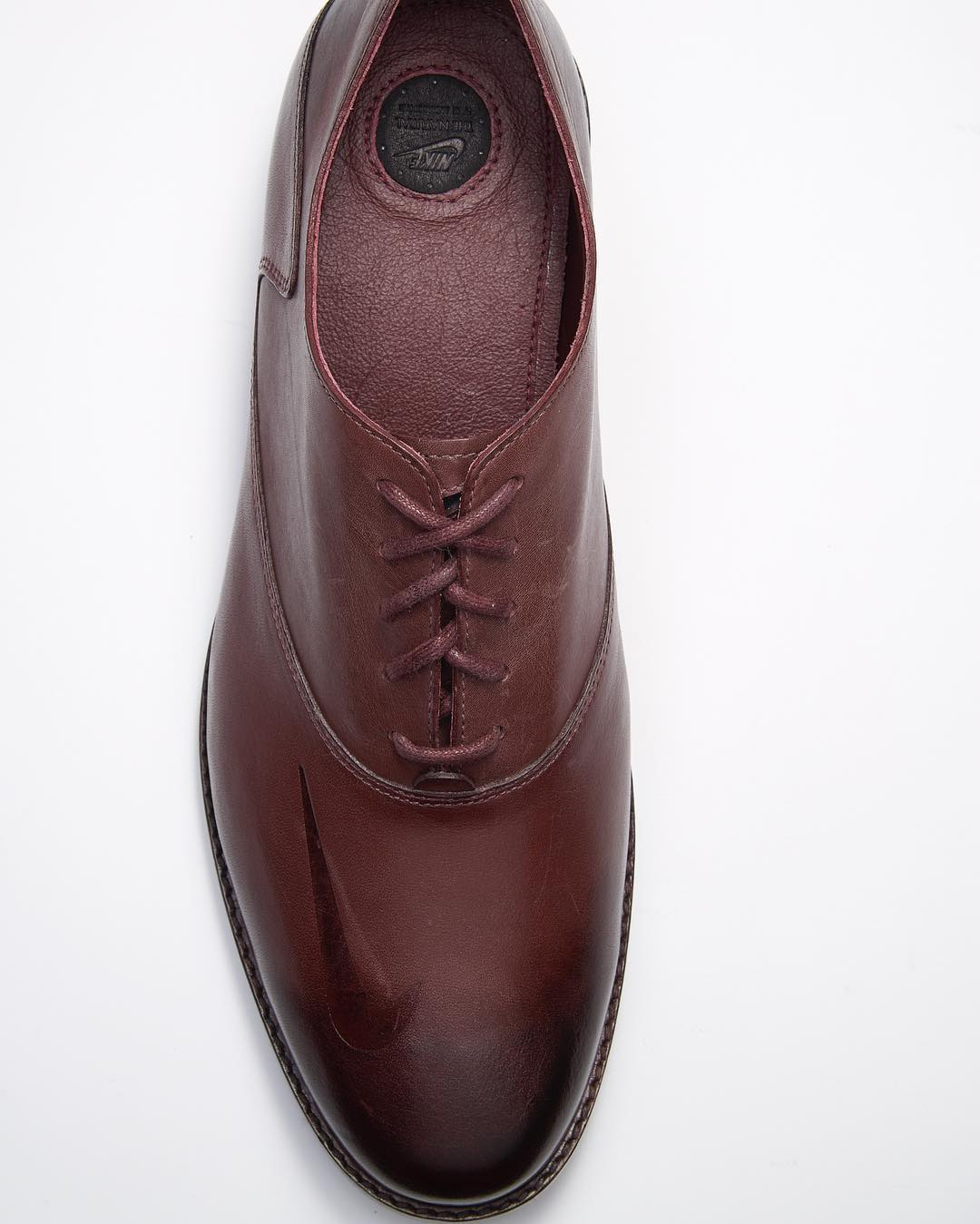 ken-griffey-nike-hall-of-fame-dress-shoes-1_sopupn