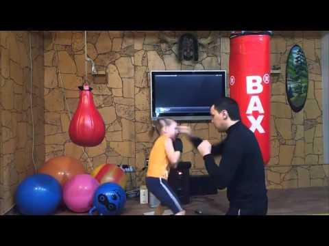 Little Girl Boxer Has Incredible Speed & Hands