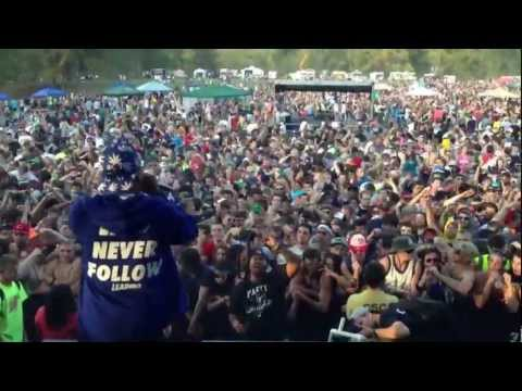 "Curren$y Performs ""Jet Life"" At 10Fest"