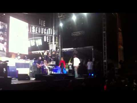 Lauryn Hill & Pras Reunite At Rock The Bells 2011