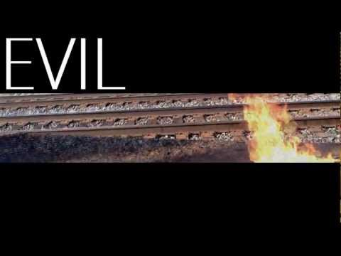 Phenom Feat. Ahptimus Prime – Evil
