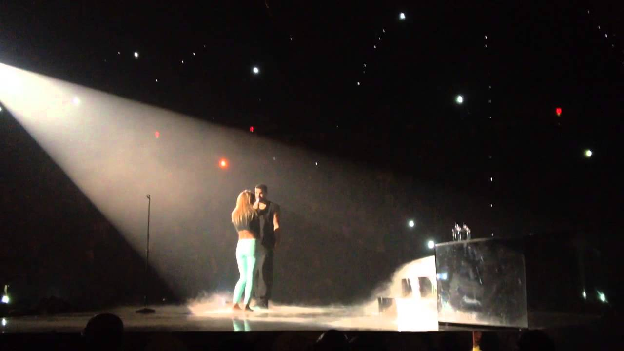 Drake Brings Female Fan On Stage