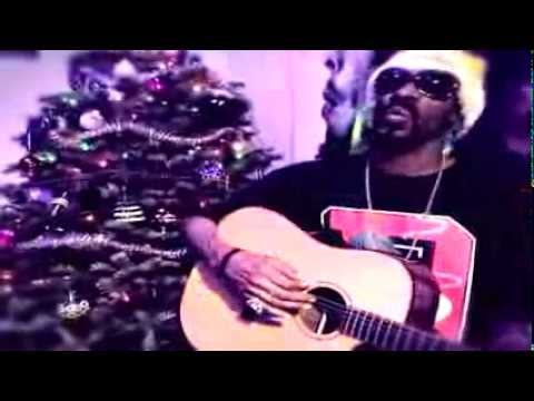 Snoop Dogg – Blue Xmas