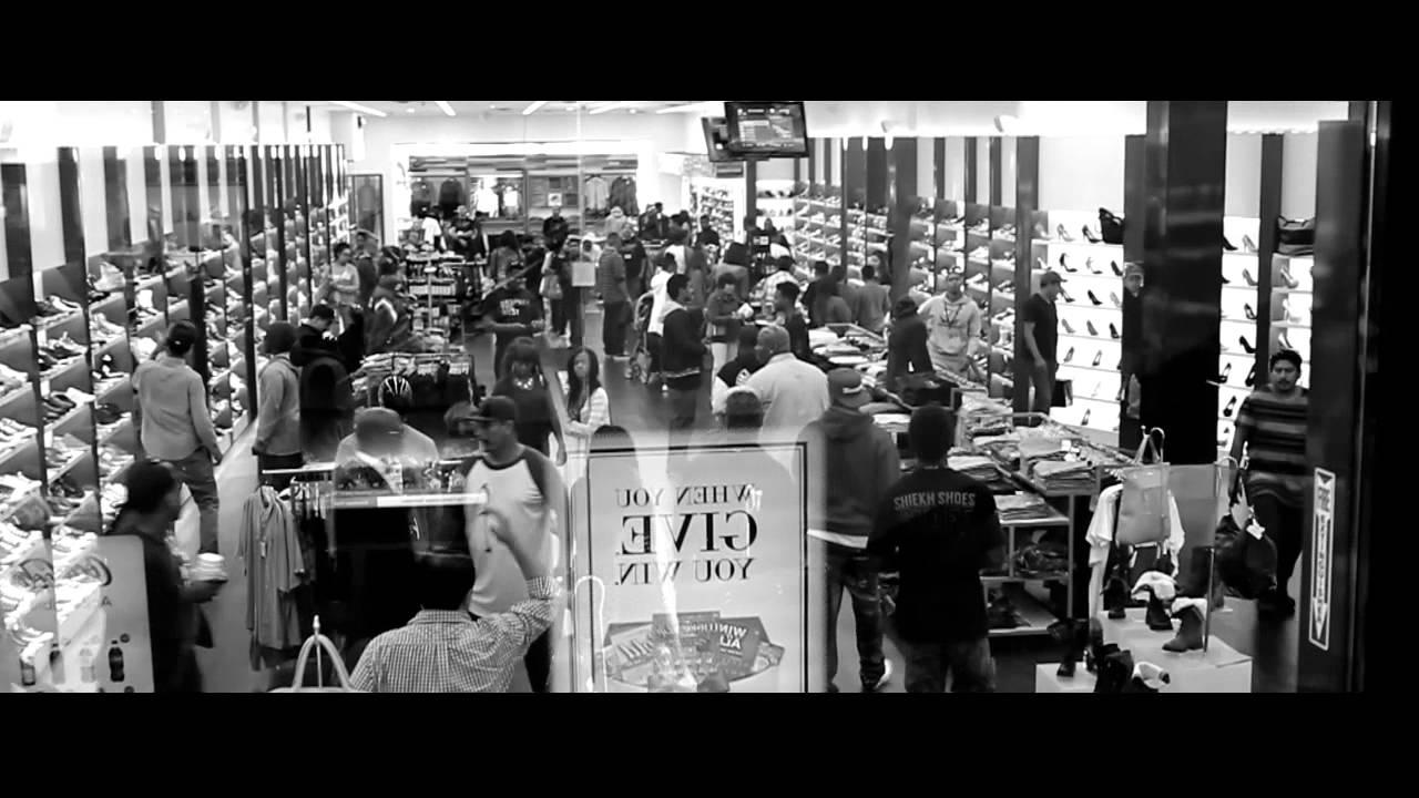 YG Brings 60 Children Shopping For Christmas