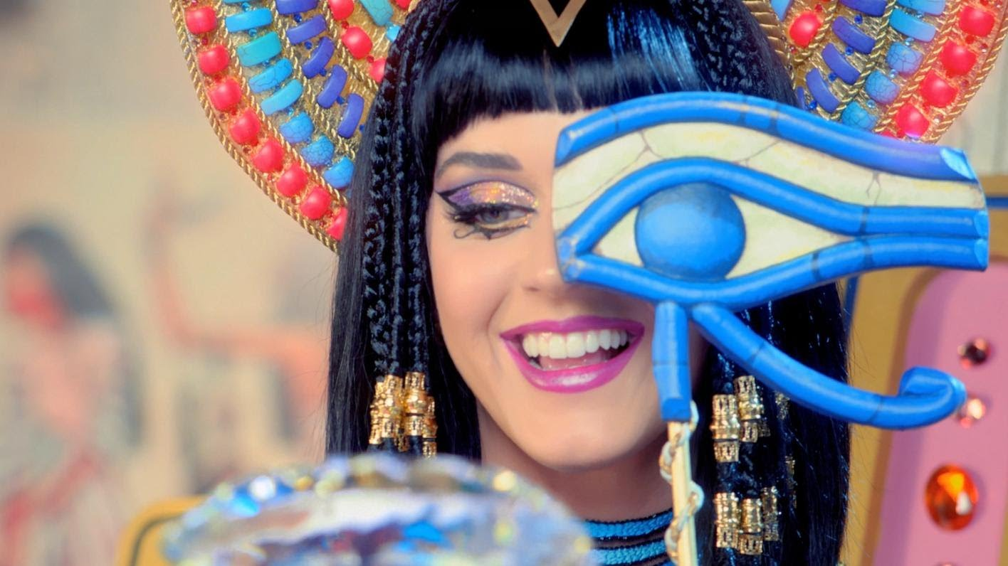 Katy Perry Feat. Juicy J – Dark Horse