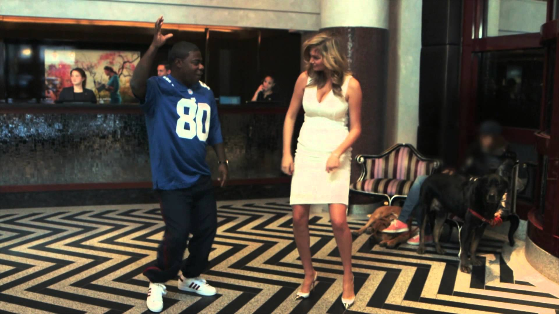 Tracy Morgan Teaches Kate Upton The Touchdown Dance