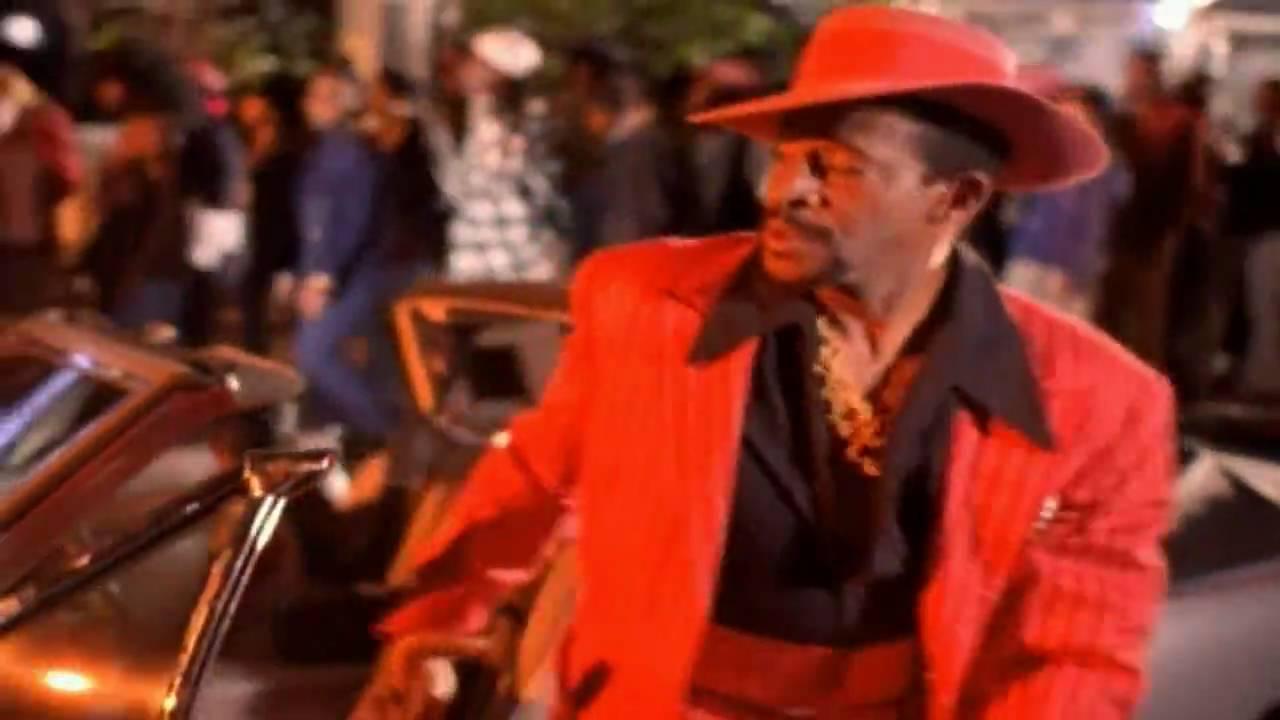 Snoop Dogg Feat. The Dogg Pound & The Dramatics – Doggy Dogg World