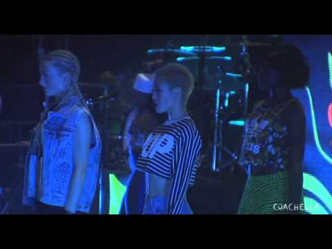 Pharrell Williams Performed At Coachella [Full Set]