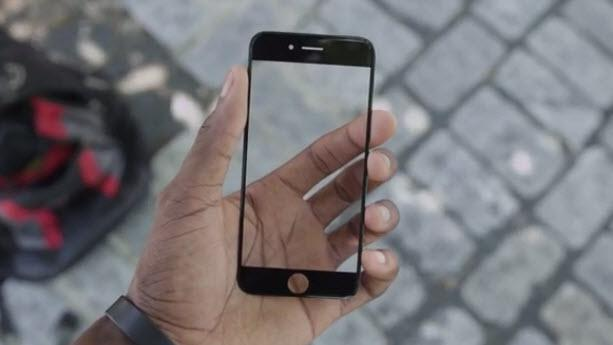 Look At The iPhone 6 Sapphire Crystal Display!