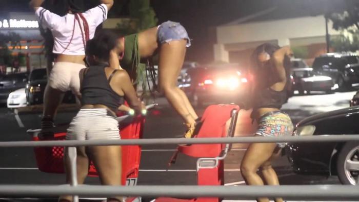Ratchet Girls Twerking In Public