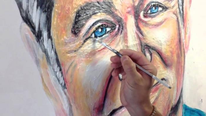 Artist Paints Robin Williams Portrait Using Toothpaste