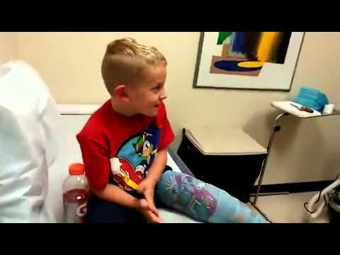 Boy Has A Hilarious Reaction To Getting Cast Off