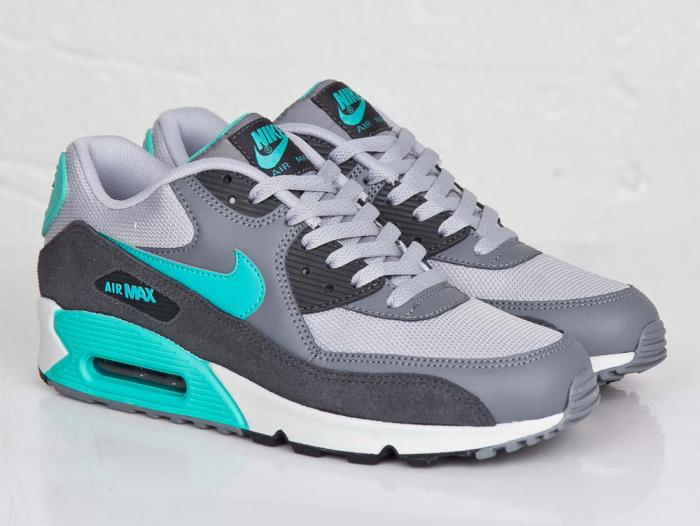 nike-air-max-90-wolf-grey-hyper-jade-07