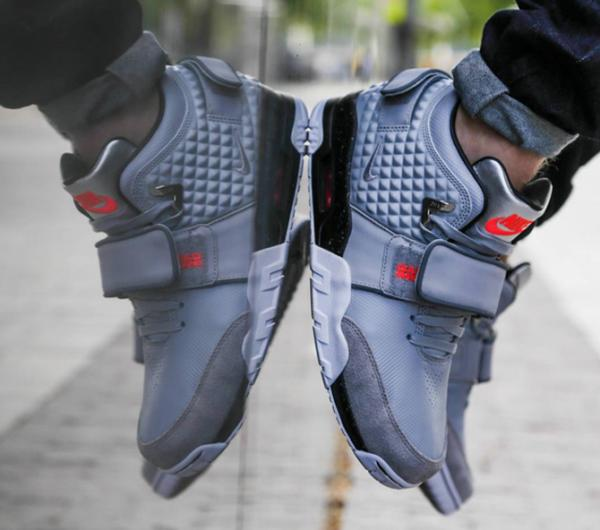 nike-air-cruz-on-feet