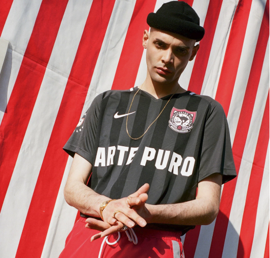 "24 Kilates & Nike Collaborate on ""ARTE PURO"" Football Jersey"