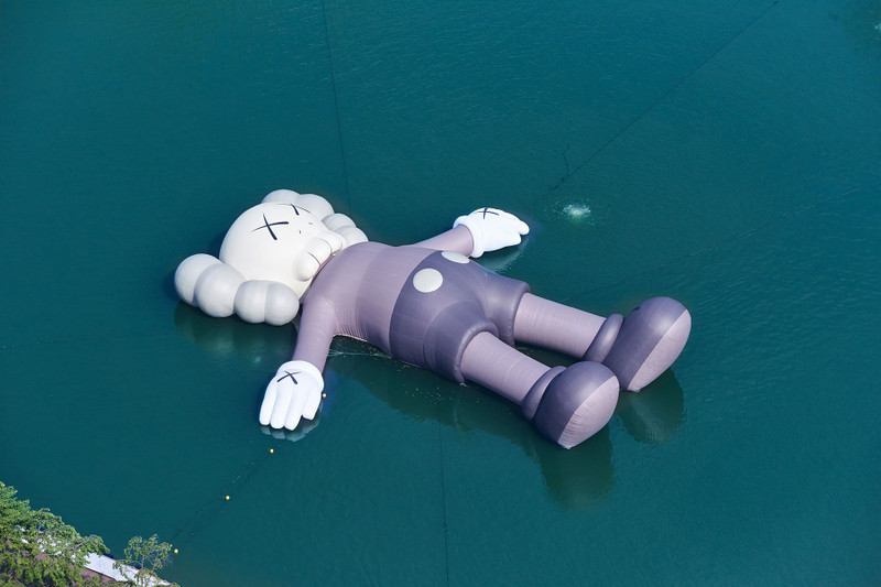 Catch The Extra Large – Scale 'KAWS: HOLIDAY' Sculpture Set Sail in Seoul's Seokchon Lake