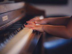 piano-640×426