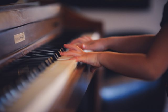 6 Reasons to Encourage Children to Play a Musical Instrument